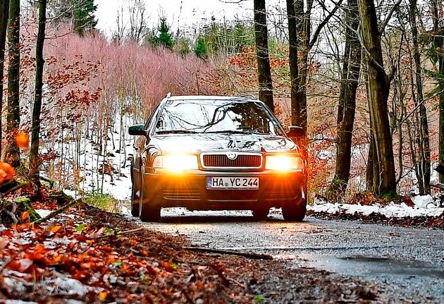 Treuer Begleiter: Seit mehr als 900.000 Kilometern sind Marek Ziomek und sein OCTAVIA COMBI 4x4 TDI ein untrennbares Team. ...
