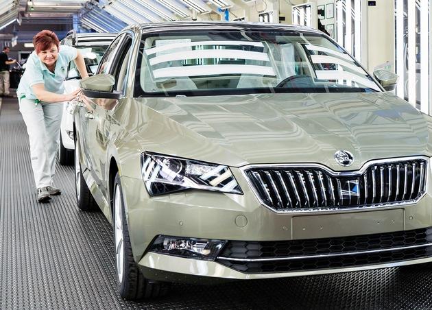 Werksferien: SKODA AUTO optimiert und erweitert Produktionsanlagen
