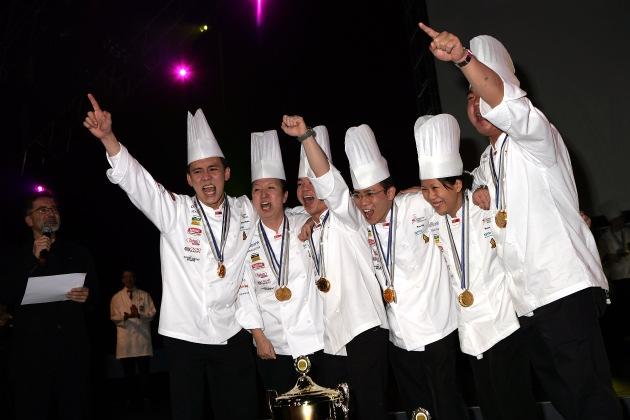 """Winner of the """"Culinary World Masters"""": National team Singapur. Texte complémentaire par ots. L''utilisation de cette image ist pour des buts redactionnels gratuite. Reproduction sous indication de source: """"obs/MCH Messe Schweiz"""""""