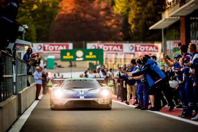 """Beim Saisonauftakt zur FIA Langstrecken-Weltmeisterschaft (WEC) auf der Ardennen-Achterbahn von Spa-Francorchamps feierte der Ford GT mit der Startnummer 66 den Sieg in der GTE Pro-Wertung. In einem ereignisreichen Sechsstundenrennen triumphierte der Berliner Stefan Mücke gemeinsam mit seinen beiden Teamkollegen Olivier Pla (F) und Billy Johnson (USA). Damit startet das Trio des Werksteams Ford Chip Ganassi Racing mit maximaler Punktausbeute in die neue Super-Saison der WEC, die sich erstmals über zwei Kalenderjahre erstreckt. Weniger erfreulich verlief das Rennen für den zweiten Ford GT mit der Nummer 67: Harry Tincknell (GB), Andy Priaulx (GB) und Tony Kanaan (BR) fielen aufgrund eines Unfalls in der zweiten Rennstunde aus der Wertung. Weiterer Text über ots und www.presseportal.de/nr/6955 / Die Verwendung dieses Bildes ist für redaktionelle Zwecke honorarfrei. Veröffentlichung bitte unter Quellenangabe: """"obs/Ford-Werke GmbH"""""""