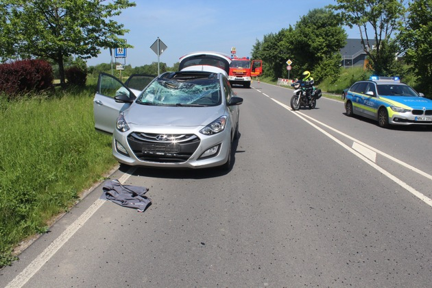 POL-ME: Radfahrer nach Unfall schwerverletzt -Mettmann- 1805086