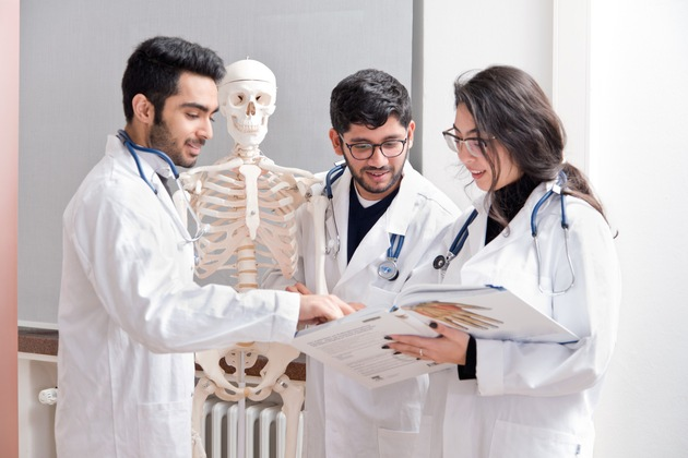 Jacobs University's Medical Preparatory Year helps its participants to prepare themselves for studying medicine.