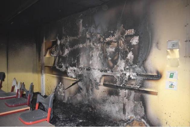 Brandbeschädigter Klassenraum der Oberschule Bad Fallingbostel / Detail