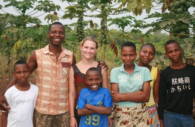 Geförderter Freiwilligendienst im Ausland / Bewerbungen für Benin, Irland und Spanien bis 31. Januar möglich