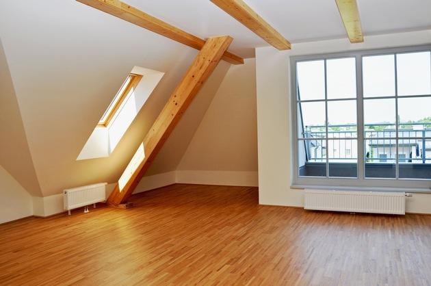 Im Dachboden kann durch einen Ausbau hochwertiger Wohnraum geschaffen werden.