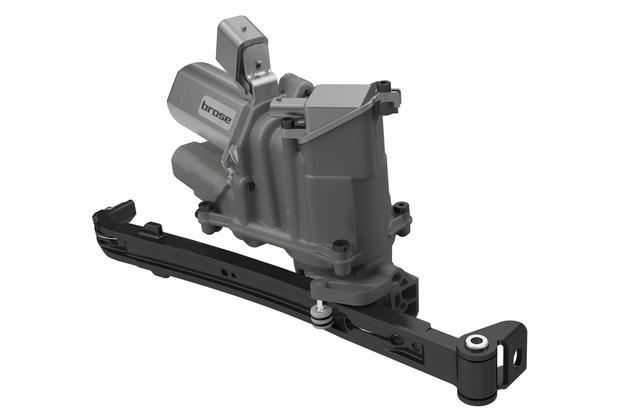 Der kompakte Seitentürantrieb von Brose lässt sich flexibel an unterschiedliche Kunden- und Fahrzeuganforderungen anpassen. Die Serienproduktion startet 2020.