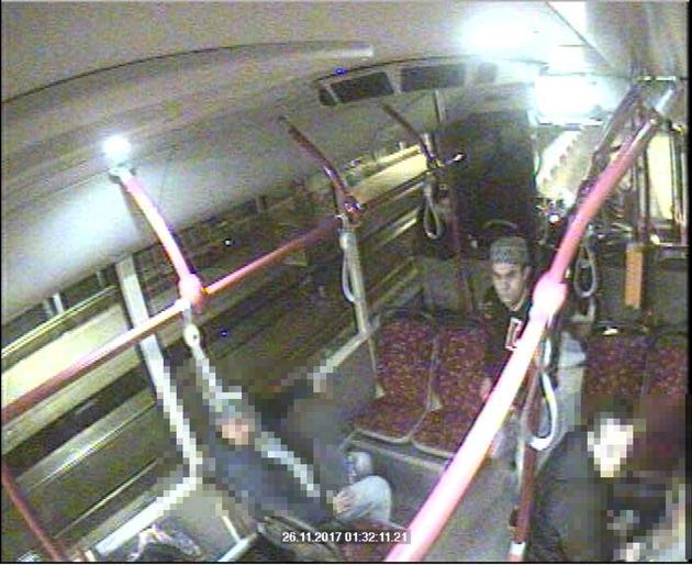 Unbekannter Zeuge im Bus