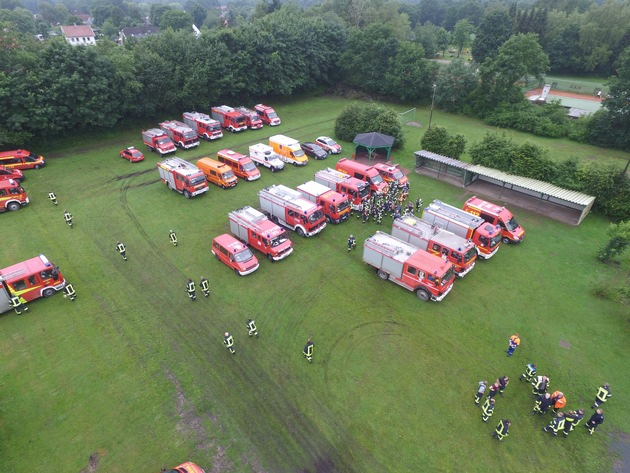 Sammeln der Einsatzkräfte in Hartenholm