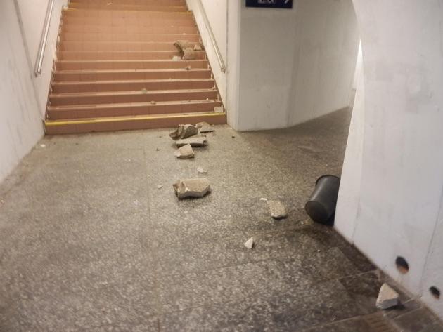 BPOLI KLT: Vandalismus im Bahnhof Werdau