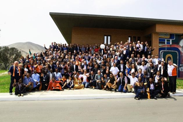 Gruppenbild der Generalversammlung in Lima (Foto: Georg Wahl)