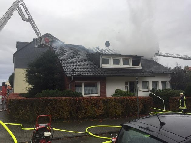 FW-HAAN: Drei Verletzte bei Brand eines Einfamilienhauses