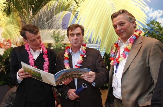 Brandenburgs Wirtschaftsminister Christoffers zu Gast bei Tropical Islands auf der ITB Berlin (mit Bild)