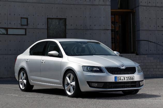 SKODA Octavia gewinnt bei ,auto, motor und sport'-Leserwahl ,Best Cars 2015'