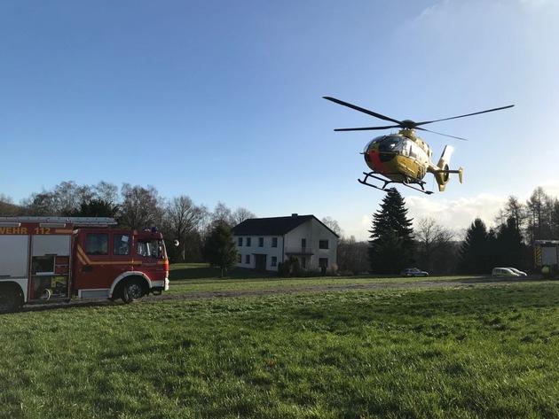 """Der Rettungshubschrauber """"Christoph 8"""" transportierte den Patienten aus der Sirrenbergstraße zu einer Druckkammer nach Düsseldorf."""