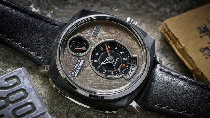 """""""Die meisten Leute würden die ausgemusterten Mustangs lediglich für einen Haufen Altmetall oder für eine Ansammlung von Kunststoff- und Carbon-Teilen halten. Wir sehen etwas ganz Anderes darin - nämlich die Seele eines Autos und eine Geschichte, die es zu erzählen gilt"""", sagt Christian Mygh, Mitgründer der Firma """"REC Watches"""". """"Wir verwerten die alten Mustangs nicht, sondern hauchen ihnen als hochwertige Uhren ein neues Leben ein"""". Weiterer Text über ots und www.presseportal.de/nr/6955 / Die Verwendung dieses Bildes ist für redaktionelle Zwecke honorarfrei. Veröffentlichung bitte unter Quellenangabe: """"obs/Ford-Werke GmbH"""""""