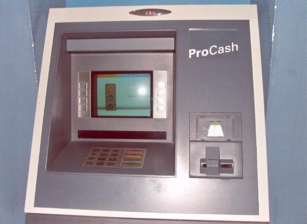 POL-F: 070119 - 0071  Innenstadt: Manipulation an einem Geldautomaten