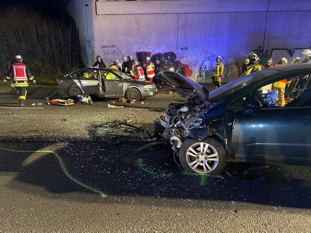 FW-DO: Zwei Personen durch Verkehrunfall verletzt