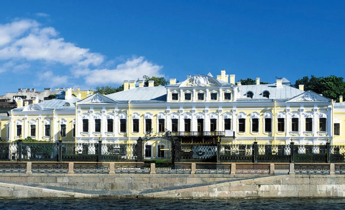 """Der Scheremetiev-Palast wurde mit Werkstoffen von Caparol, dem größten deutschen Baufarbenhersteller, restauriert. Die Verwendung dieses Bildes ist für redaktionelle Zwecke honorarfrei. Abdruck bitte unter Quellenangabe: """"obs/Caparol"""""""
