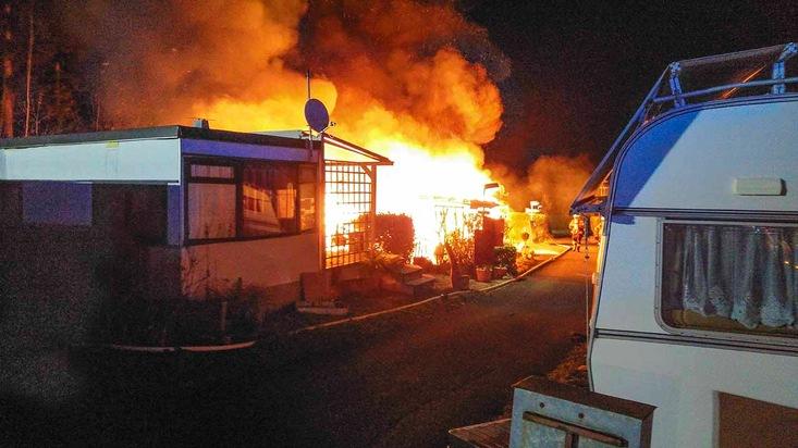 Feuer auf dem Campingplatz in Liebelsberg. Quelle: Polizei