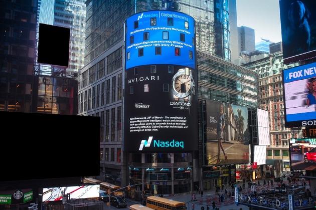"""New York 25. April 2015, live auf dem Nasdaq Tower - die Bulgari Diagono Magnesium Intelligent Watch.  Weiterer Text über ots und www.presseportal.de/pm/73414 / Die Verwendung dieses Bildes ist für redaktionelle Zwecke honorarfrei. Veröffentlichung bitte unter Quellenangabe: """"obs/Bulgari"""""""