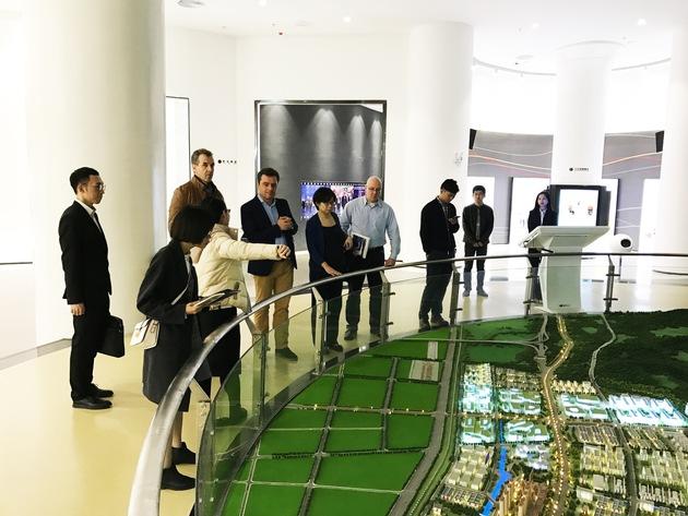 Unternehmerreise nach Jieyang ? gemeinsam mit anderen Unternehmer lernte Wido Fath Anfang des Jahres die Metal Eco City kennen. Fotos: Zhongde Metal Group GmbH