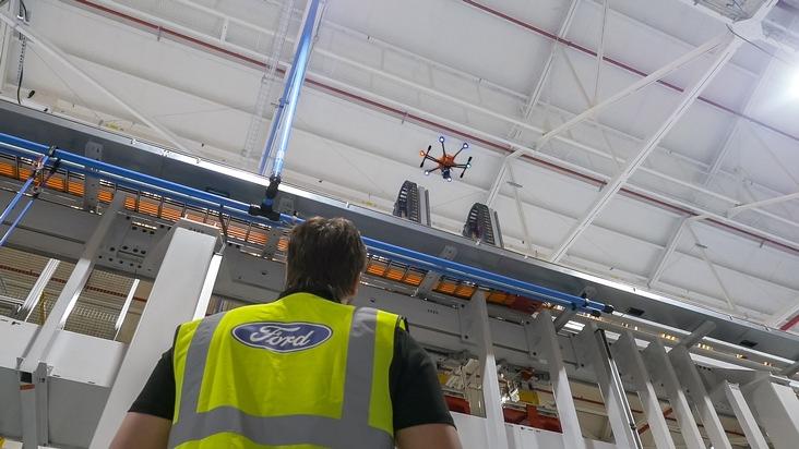 """Ford setzt Drohne für Inspektionsarbeiten ein. Weiterer Text über ots und www.presseportal.de/nr/6955 / Die Verwendung dieses Bildes ist für redaktionelle Zwecke honorarfrei. Veröffentlichung bitte unter Quellenangabe: """"obs/Ford-Werke GmbH"""""""
