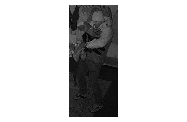 (2) Wer kennt diesen Einbrecher? -KPB HSK