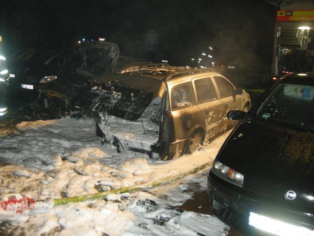 ausgebrannte Fahrzeuge
