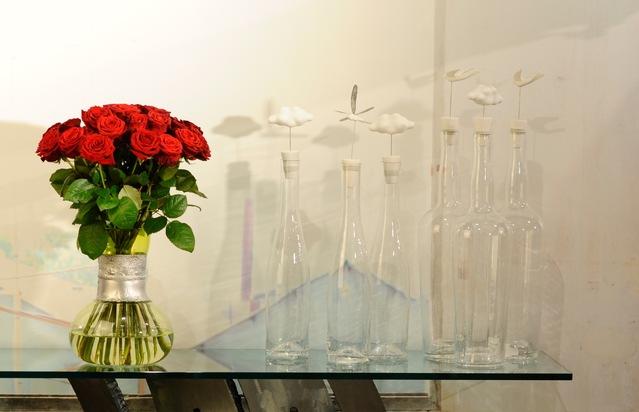 """Der Strauß """"Einfach rote Rosen"""" gehört zu den Bestsellern auf fleurop.de."""