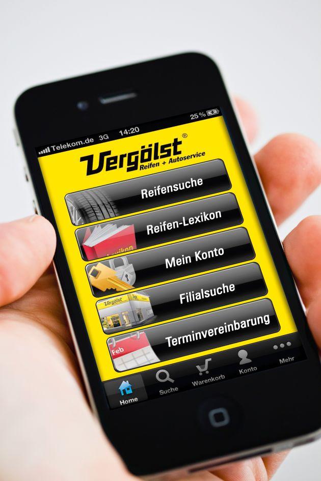 """Termine zum Reifenwechsel am besten online vereinbaren - zum Beispiel mit der Vergölst Reifenservice-App für alle Smartphones. Die Verwendung dieses Bildes ist für redaktionelle Zwecke honorarfrei. Veröffentlichung bitte unter Quellenangabe: """"obs/Vergölst GmbH"""""""