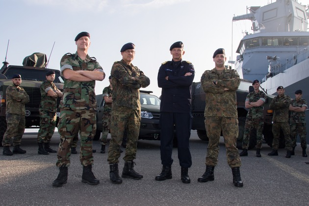 Commander Arjen van Gelder, Flottillenadmiral Kaack, Commodore Jan Hubert Hulsker, Fregattenkapitän Axel Meißel
