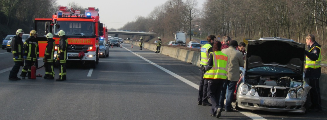 FW-MH: Verkehrsunfall mit glimpflichen Ausgang auf der BAB40