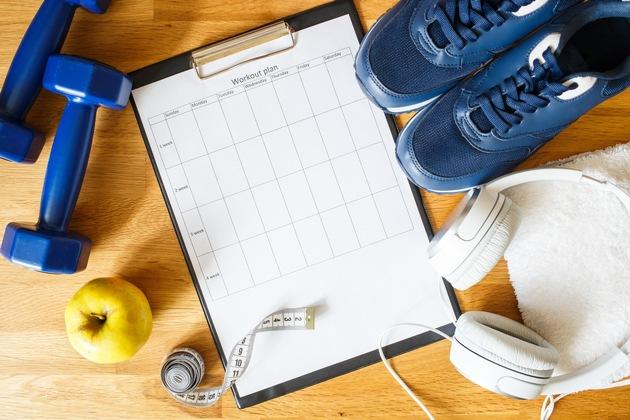 Trainings- und Ernährungsplan, Rezeptidee oder die Einkaufsliste: Mit einem Plan lässt sich alles Schritt für Schritt abarbeiten. Foto: Prinz-Sportlich/istock/sergio_krumer