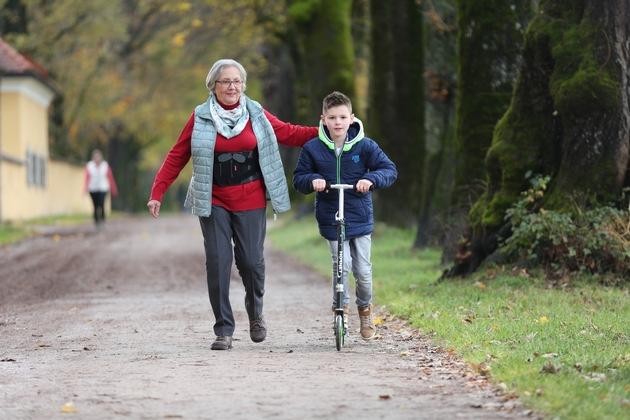 Die Patienten legen längere schmerzfreie Distanzen zurück, das Gangbild wird flüssiger und harmonischer. Das tägliche Leben der Anwender kann durch die Dyneva verbessert werden.