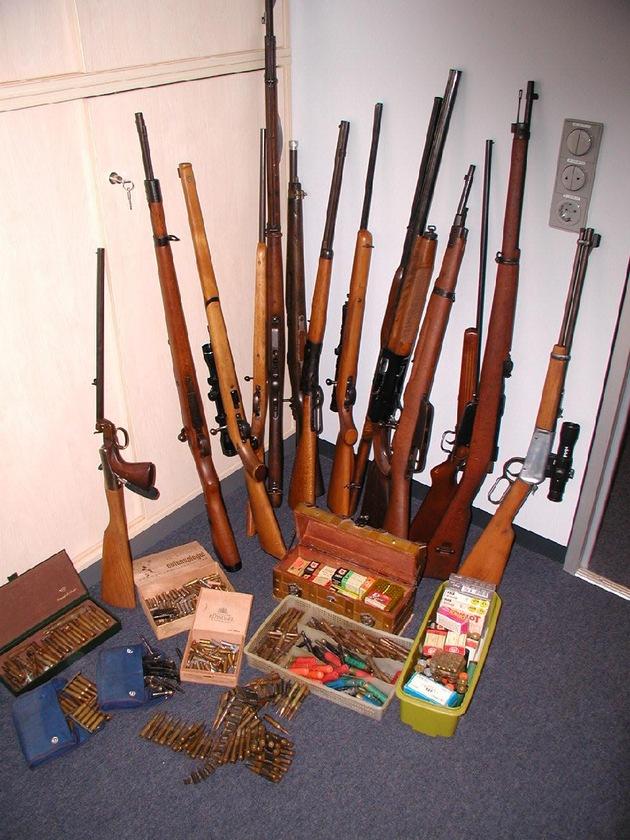Langwaffen und Munition