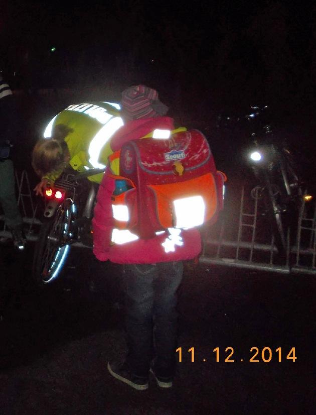 POL-CUX: Geschwindigkeits- und Schulwegkontrollen des Polizeikommissariats Langen (FOTOS)