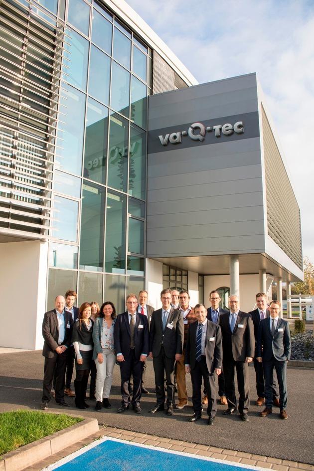 Besuch des neuen va-Q-tec Hauptstandorts im ehemaligen Stürtz-Gebäude