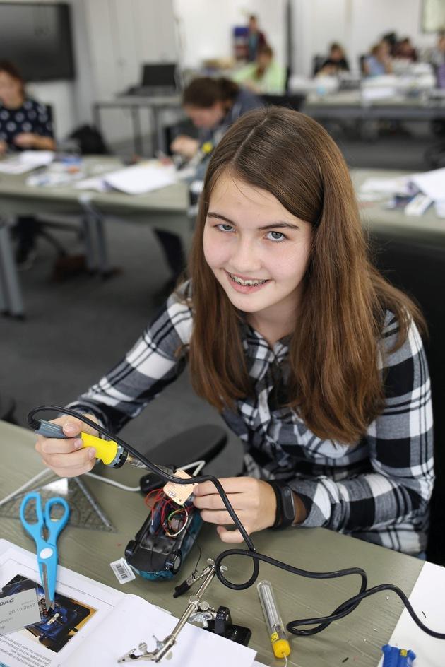 Engineering in den Herbstferien - MINT Girls Camp 2017 bei EDAG
