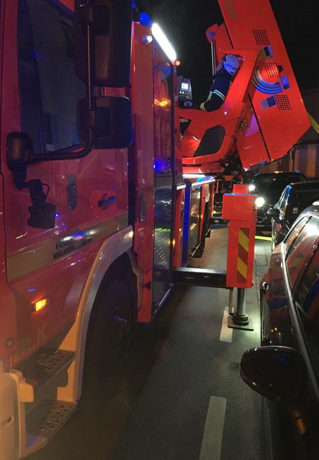 Drehleiter der Feuerwehr Mülheim an der Ruhr