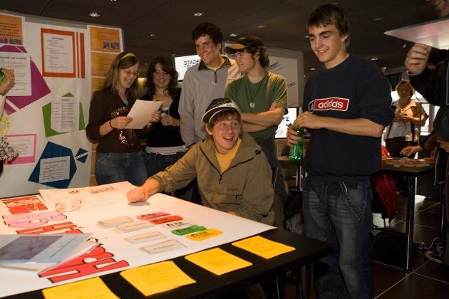 Jugendliche gegen Jugendverschuldung