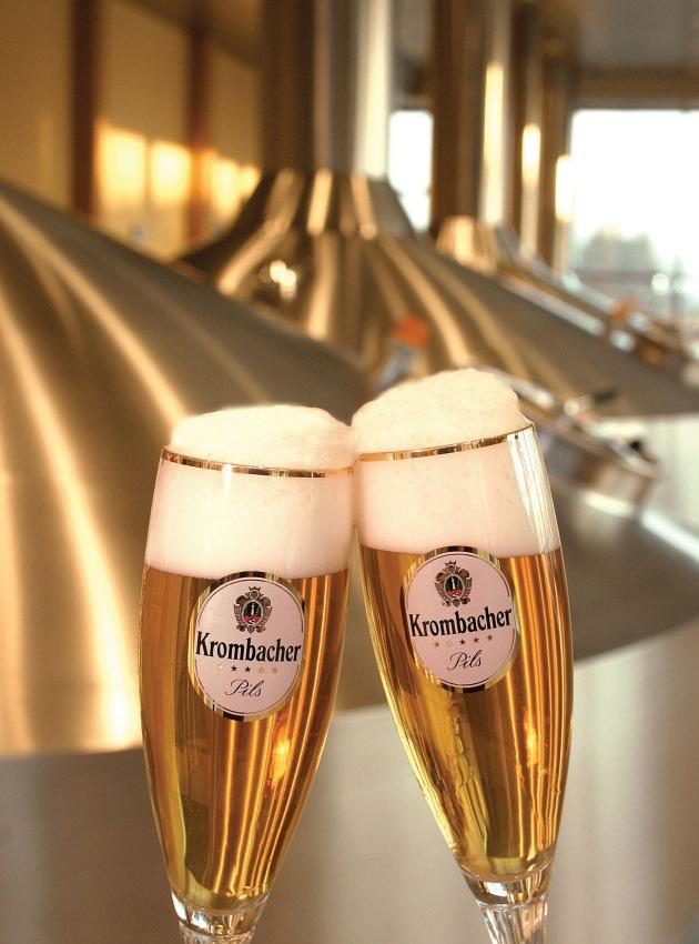 """Die Krombacher Brauerei hat sich in einem schwierigen Markt behauptet. Bereits im vierten Jahr hintereinander verzeichnet die Brauerei einen Rekordausstoß. Der Gesamtausstoß 2005 beläuft sich auf 5,560 Mio. hl. Die Verwendung dieses Bildes ist für redaktionelle Zwecke honorarfrei. Abdruck bitte unter Quellenangabe: """"obs/Krombacher Brauerei GmbH & Co. KG"""""""