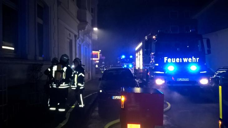Mit einem Großaufgebot rückte die Feuerwehr Gelsenkirchen zu dem Brandereignis aus.
