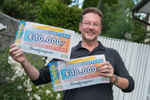 Für Darko ist der Gewinn wie ein Geschenk vom Himmel. Foto: Postcode Lotterie/Wolfgang Wedel