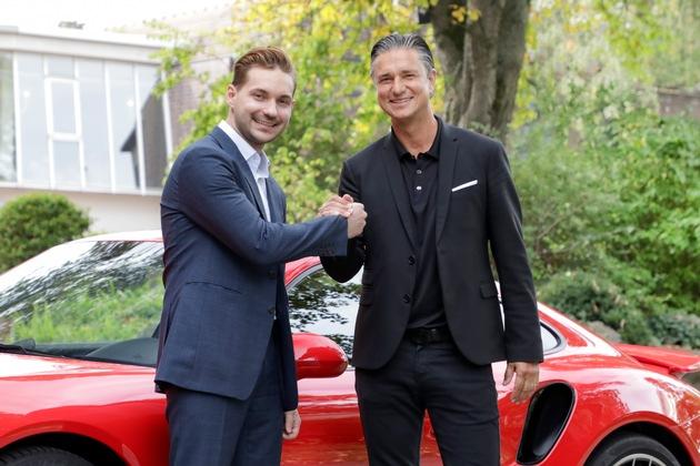 """WayRay erhält in seiner Serie-C-Finanzierungsrunde, angeführt von Porsche und mit Begleitung von Hyundai Motor, JVCKENWOOD und weiteren Investoren, 80 Millionen Dollar (68,5 Millionen Euro) / Das Technologie-Startup WayRay erhält in seiner Serie-C-Finanzierungsrunde 80 Millionen Dollar (68,5 Millionen Euro). Porsche ist einer der Investoren. Von links nach rechts: Vitaly Ponomarev, CEO von WayRay und Lutz Meschke, stellvertretender Vorstandsvorsitzender und Vorstand Finanzen und IT von Porsche Weiterer Text über ots und www.presseportal.de/nr/132070 / Die Verwendung dieses Bildes ist für redaktionelle Zwecke honorarfrei. Veröffentlichung bitte unter Quellenangabe: """"obs/(c) WayRay"""""""