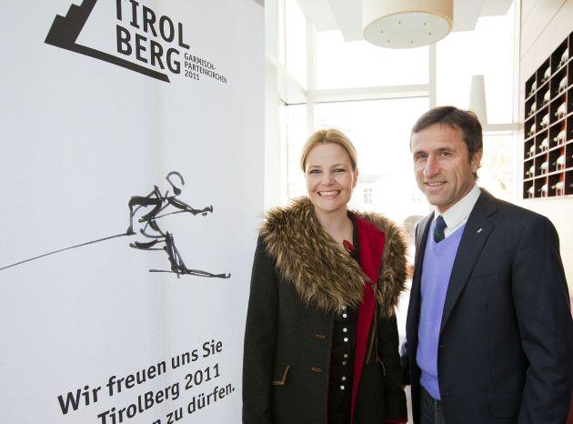 """""""Der Entwurf von Kyra Vögele-Müller überzeugte dadurch, dass der Schisport thematisch in seiner Dynamik ausgezeichnet transportiert wird"""", freut sich Josef Margreiter, GF der Tirol Werbung."""