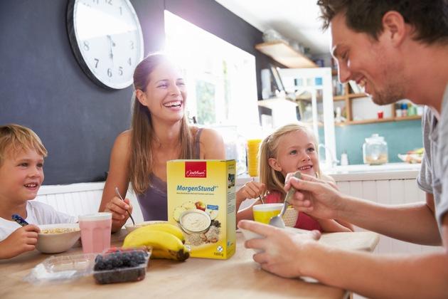 """Das Frühstücksprodukt MorgenStund' der Marke P. Jentschura ist nun mit dem FOGS Kulinarik-Preis und dem Healthy Living Award ausgezeichnet worden. Weiterer Text über ots und www.presseportal.de/nr/80539 / Die Verwendung dieses Bildes ist für redaktionelle Zwecke honorarfrei. Veröffentlichung bitte unter Quellenangabe: """"obs/Jentschura International GmbH"""""""