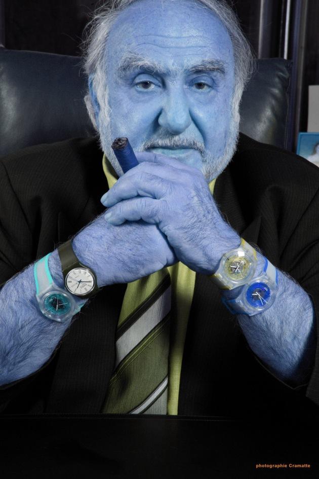 "Nicolas G. Hayek, Präsident und Verwaltungsratsdelegierter der Swatch Group: 1. ""Wird Nicolas G. Hayek am 1. Juni 2006 in Lugano selbst zum Blue Man?"" 2. ""So alles will N.G. Hayek noch nicht verraten: Wer am 1. Juni eine einmalige Show erleben will, kommt nach Lugano."" Weiterer Text über www.presseportal.ch/de/story.htx?firmaid=100004013. Die Verwendung dieses Bildes ist für redaktionelle Zwecke honorarfrei. Abdruck bitte unter Quellenangabe: ""obs/swatch"" Nicolas G. Hayek, président et administrateur-délégué du groupe Swatch: 1. ""Est-ce que Nicolas G. Hayek se transformera lui-même en Blue Man le 1er juin 2006?"" 2. ""N. G. Hayek ne veut pas tout dévoiler: que celui qui souhaite vivre un show unique le 1er juin prochain se rende à Lugano!"" Texte complémentaire par ots sous https:// www.presseportal.ch/de/story.htx?firmaid=100004013. L'utilisation de cette image est pour des buts rédactionnels gratuite. Reproduction sous indication de source: ""obs/swatch"""