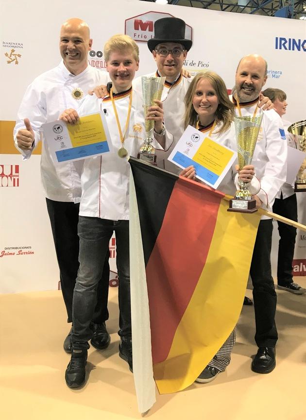 Das deutsche Team nach der Siegerehrung in Valencia