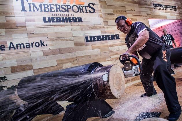 Der Neuseeländer Jason Wynyard nimmt in der Hot Saw-Disziplin teil. Am Ende gewinnt er die STIHL TIMBERSPORTS ...