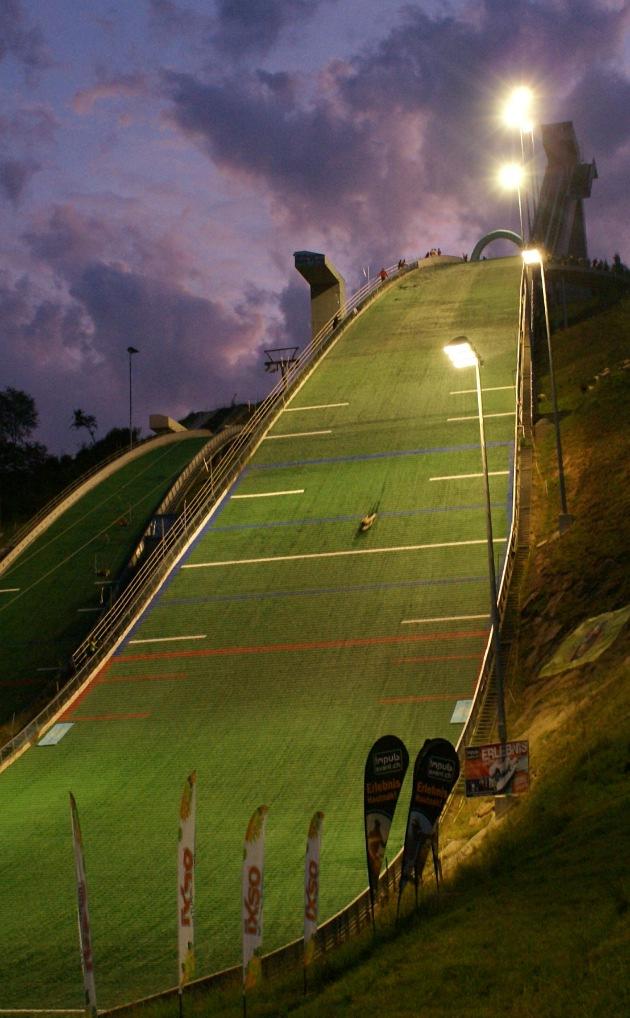 Airboard-Spektakel auf Skisprungschanzen
